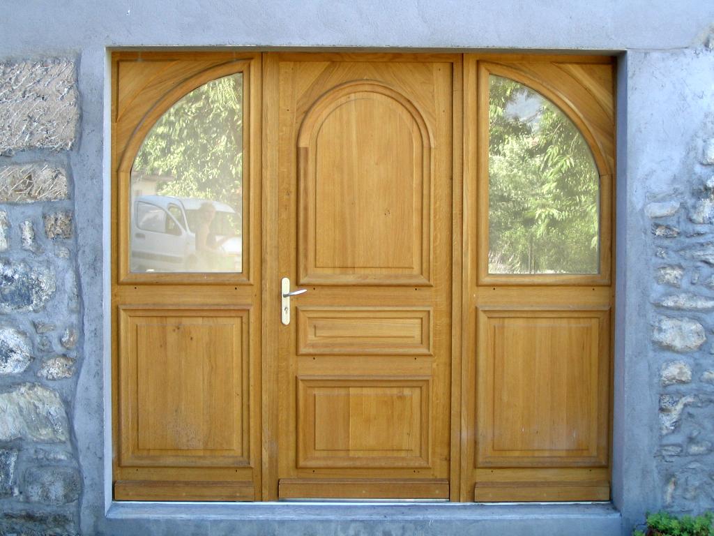 009 - Habillage porte d entree ...